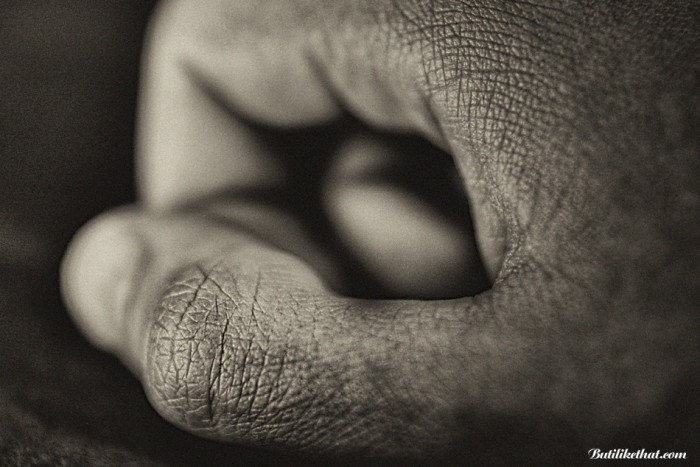 My Hand BW 01 700x467 Close up Photography