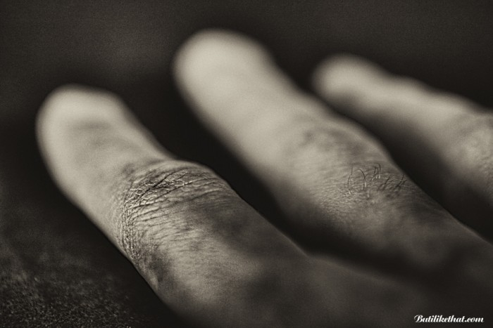 My Hand BW 02 700x467 Close up Photography