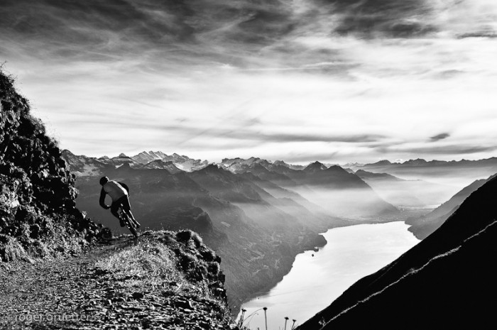 by roger gruetter 700x465 Mountain Bike Photography