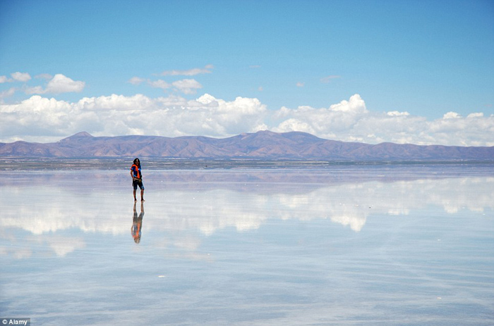 Bolivia salt flats photography 02 The Worlds Biggest Natural Mirror