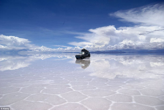 Bolivia salt flats photography 05 The Worlds Biggest Natural Mirror