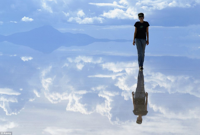 Bolivia salt flats photography 07 The Worlds Biggest Natural Mirror