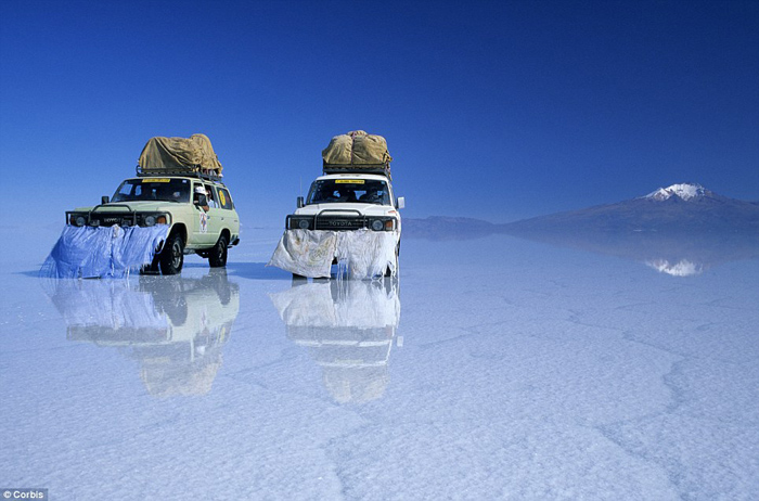 Bolivia salt flats photography 08 The Worlds Biggest Natural Mirror