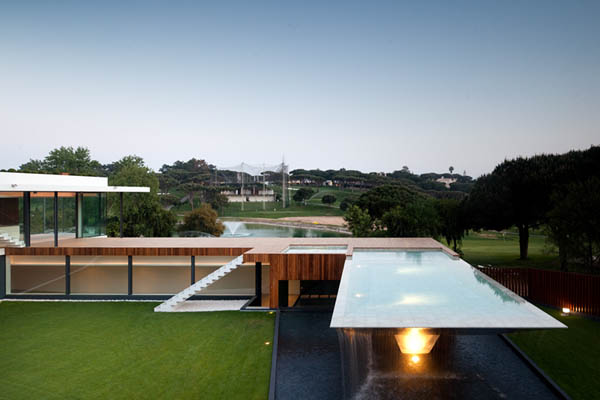 Casa Vale Do Lobo by Arqui+Arquitectura 10 Amazing Infinity Pool