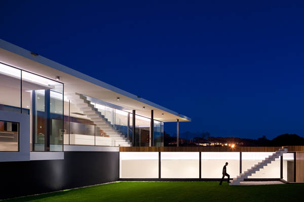 Casa Vale Do Lobo by Arqui+Arquitectura 14 Amazing Infinity Pool