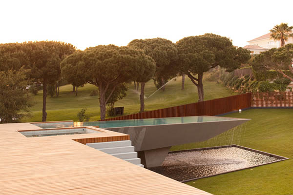 Casa Vale Do Lobo by Arqui+Arquitectura 9 Amazing Infinity Pool