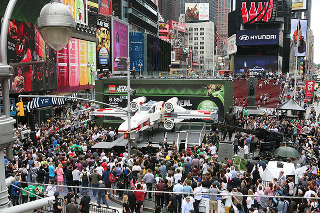 X6 An X Wing in New York