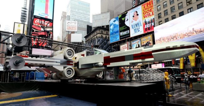X7 An X Wing in New York