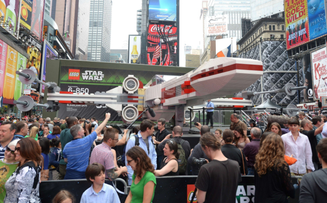 X9 An X Wing in New York